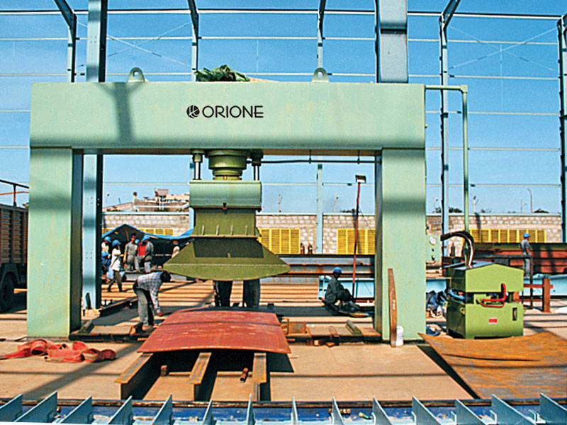500 ton Metal Forming Press  (Ship building industry)